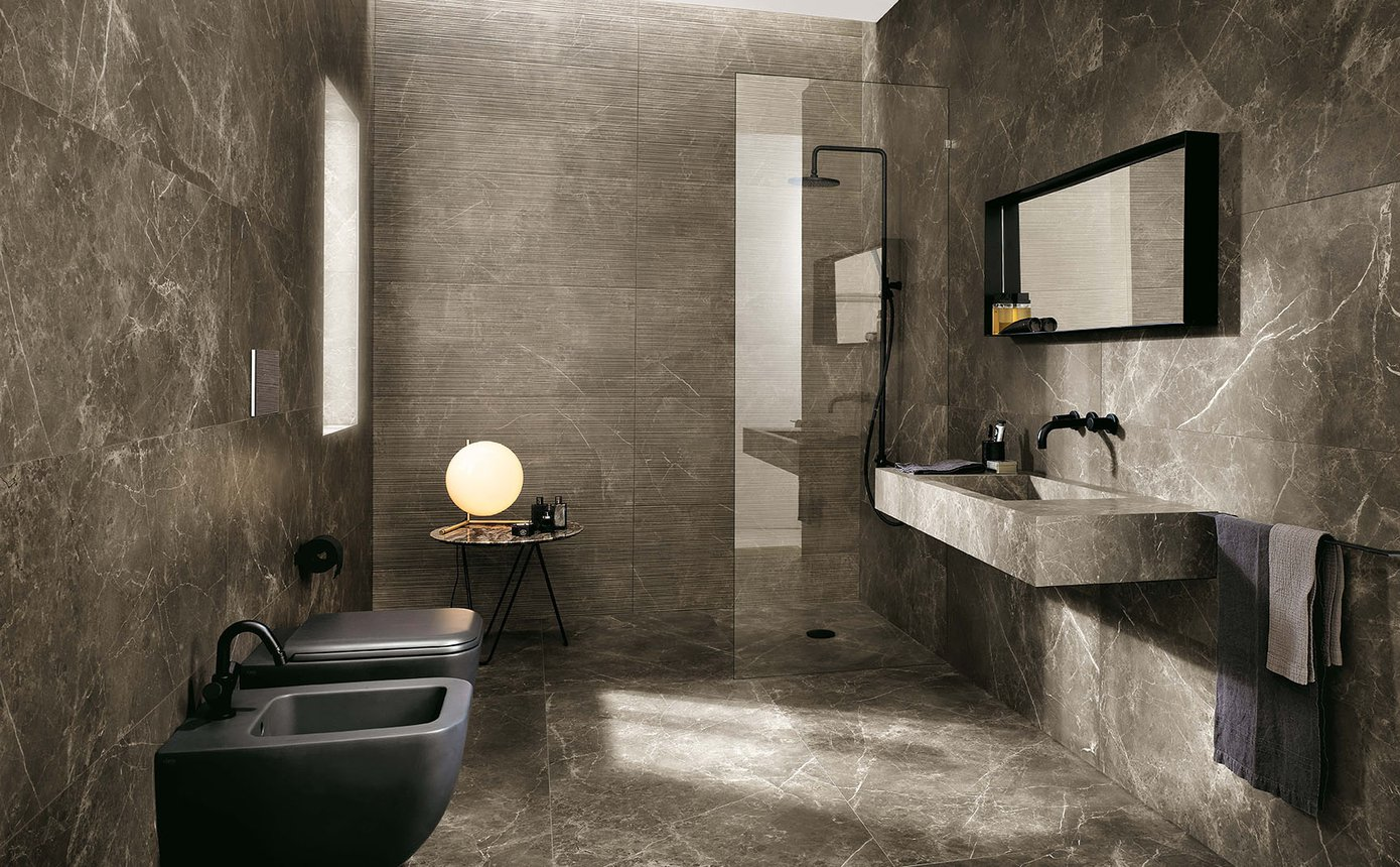 https://www.fapceramiche.com/media/products/images/ambience/generated_fap_roma_2015_bagno_b01_imperiale_wr.jpg.1390x860_q85_crop_upscale.jpg